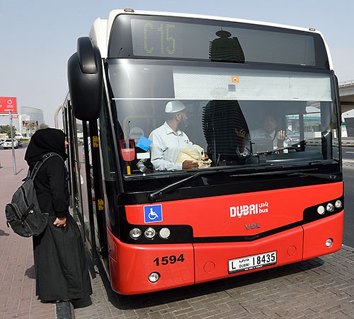Dubai bus at Al Jafiliya station