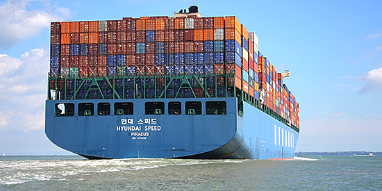 Container ship (CC BY-NC 2.0 photo by LiteMeterPix)
