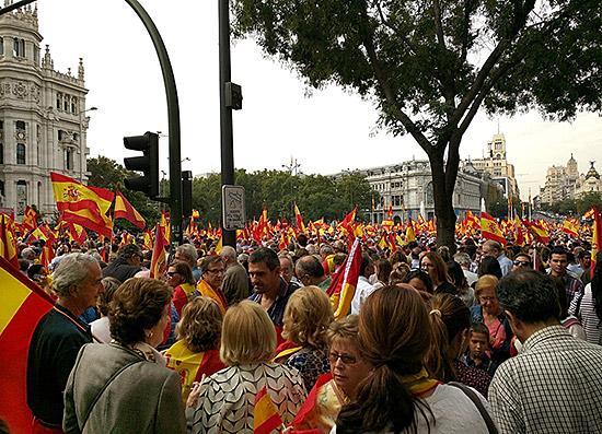 Pro-Unity demonstration at Ayuntamiento de Madrid