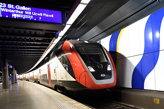 IR 13 train at the Zurich Airport | Copr. © 2019 by Tim Adams, Creative Commons CC BY 2.0