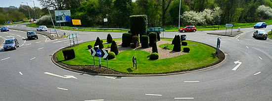 Traffic roundabout in Europe | CC-BY-NC-2.0-by-synx508