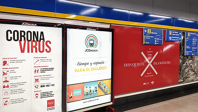 Coronavirus poster in Plaza España station in 2020