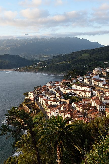 Lastres, Asturias, Spain | © 2020 Tim Adams, CC BY 2.0