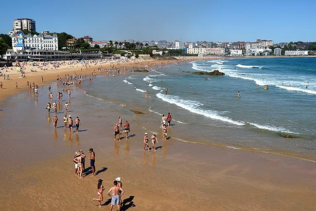 Beach in Santander | © 2020 by Tim Adams, All Rights Reserved