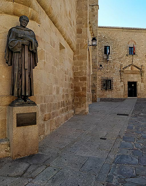 Monument to San Pedro de Alcántara in Cácares, Spain