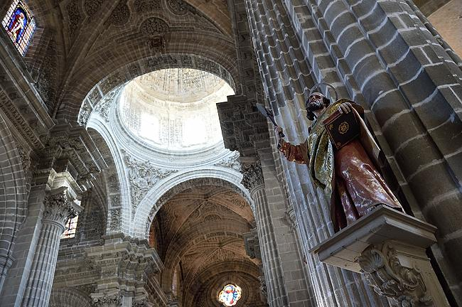 Cathedral interior in Jerez, Spain | © 2020 Tim Adams, CC BY 2.0