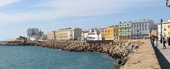 Waterfront of Cádiz, Spain | © 2020 Tim Adams, CC BY 2.0