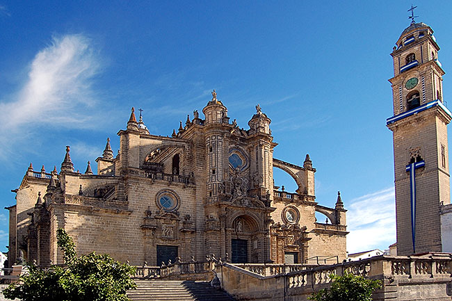 Cathedral in Jerez, Spain | CC BY-SA 2.0 by Willtron